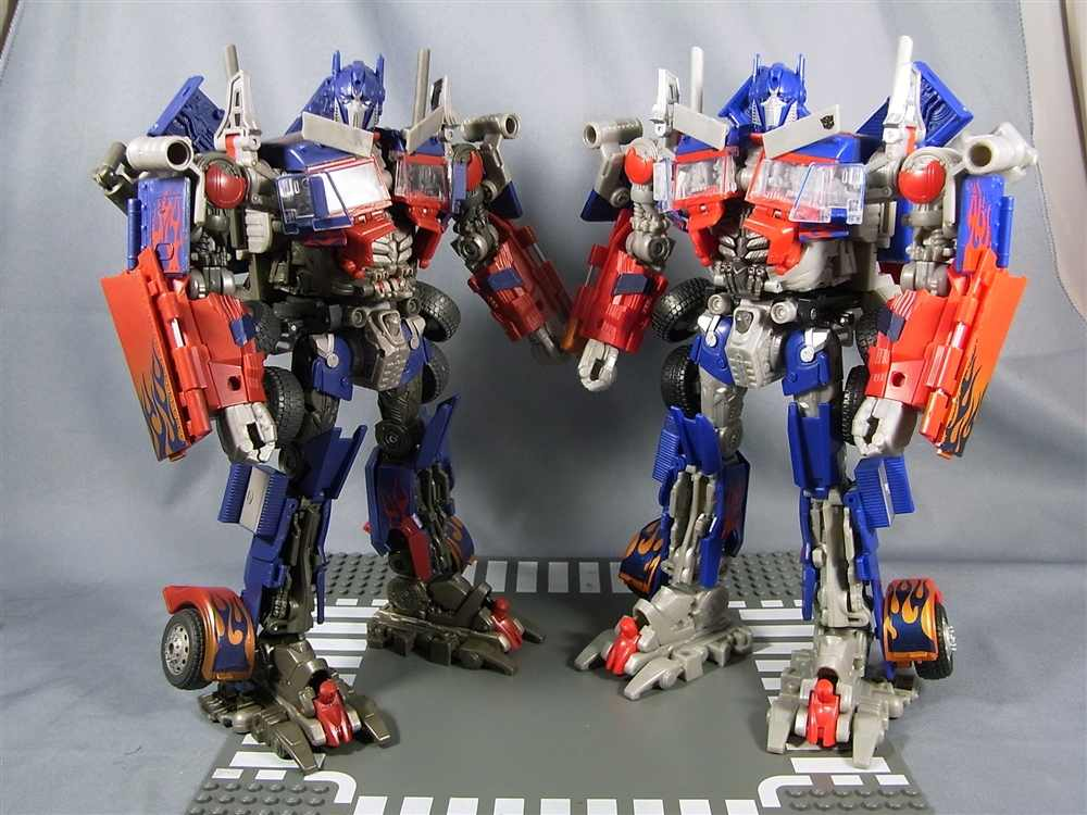 dark of the moon striker optimus prime japanese exclusive first image transformers news tfw2005. Black Bedroom Furniture Sets. Home Design Ideas