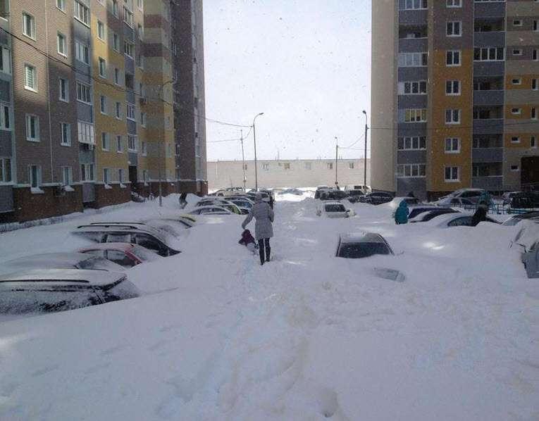 kiev kijev 24.03.2013. snow